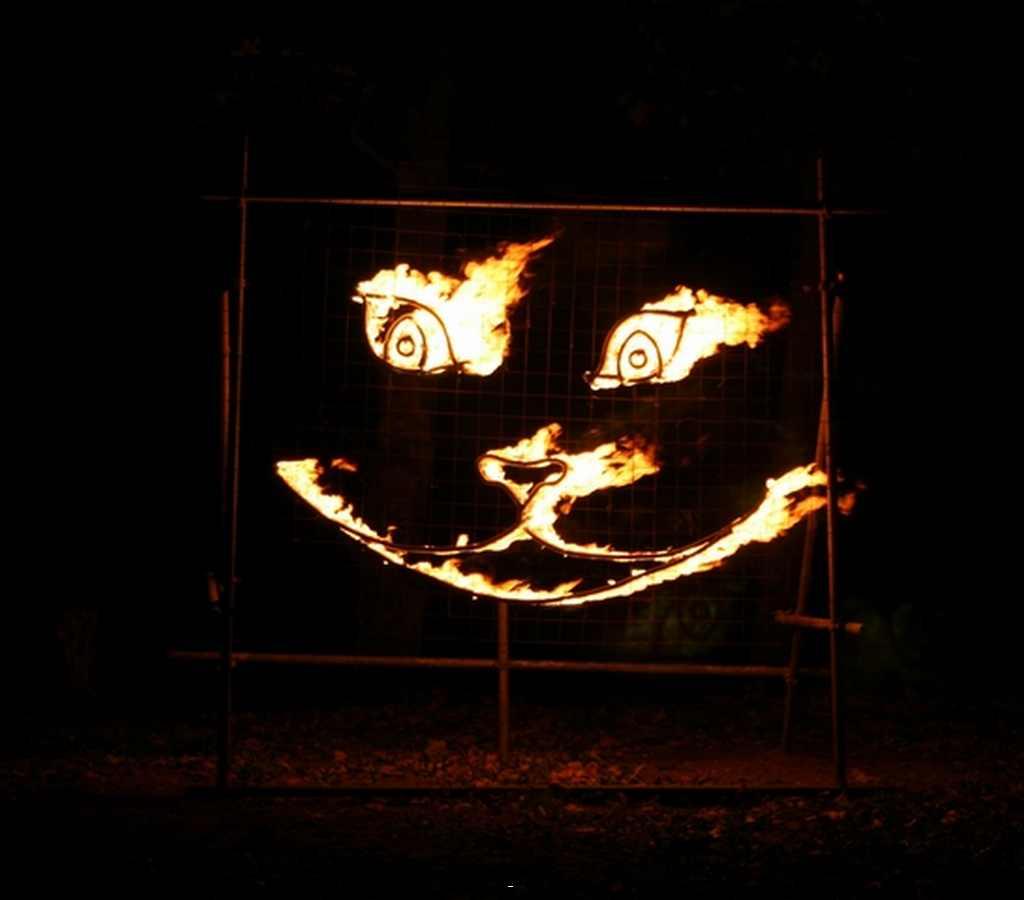 Cheshire Cat fire sculpture